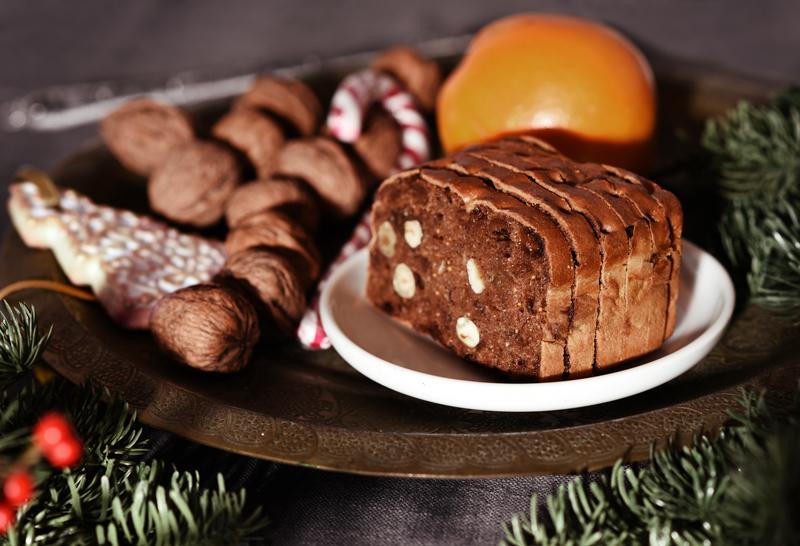 decor-deko-weihnachten-christmas-blogger-clean-style-interior-festive-festlich-tisch-fruechtebrot