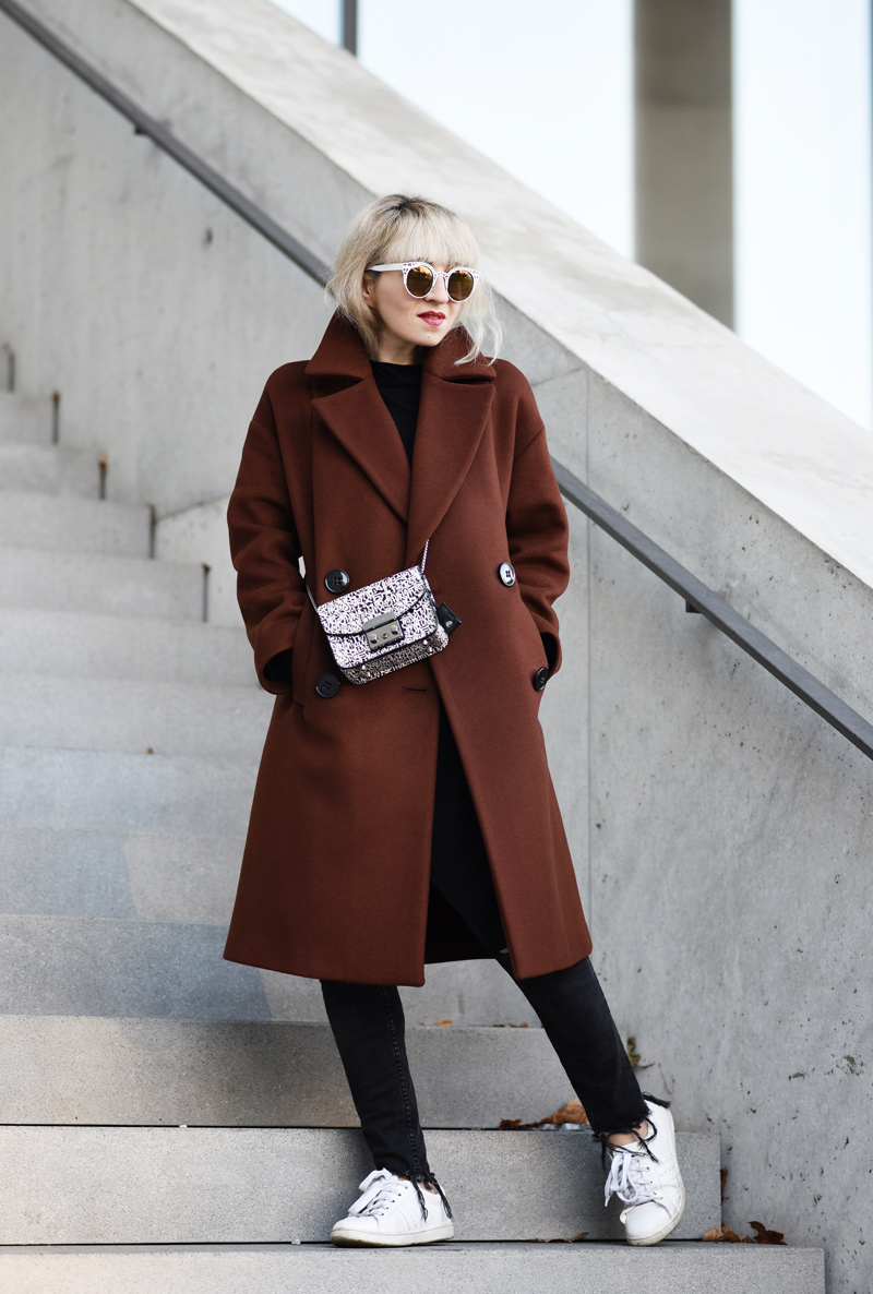 oversized-coat-rostrot-brown-zara-outfit-blogger-nachgesternistvormorgen-muenchen-fashionblog-modeblog-look-casual-chic-streetstyle-furla-metropolis-urban-11