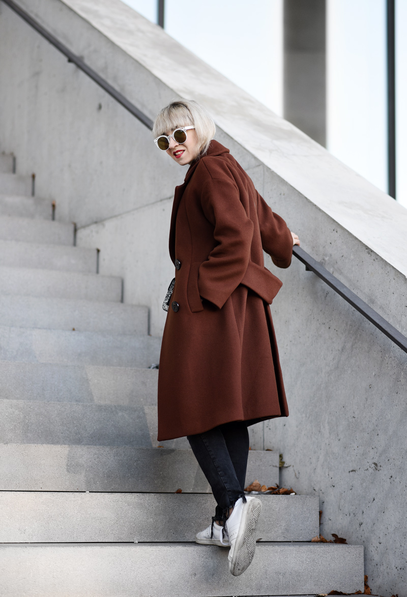 oversized-coat-rostrot-brown-zara-outfit-blogger-nachgesternistvormorgen-muenchen-fashionblog-modeblog-look-casual-chic-streetstyle-furla-metropolis-urban-4