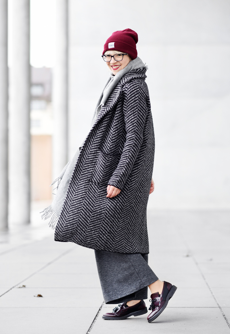 back-knit-coat-cardigan-long-nachgesternistvormorgen-fashion-modeblog-fashionblogger-muenchen-grey-winter-inspiration-streetstyle-6