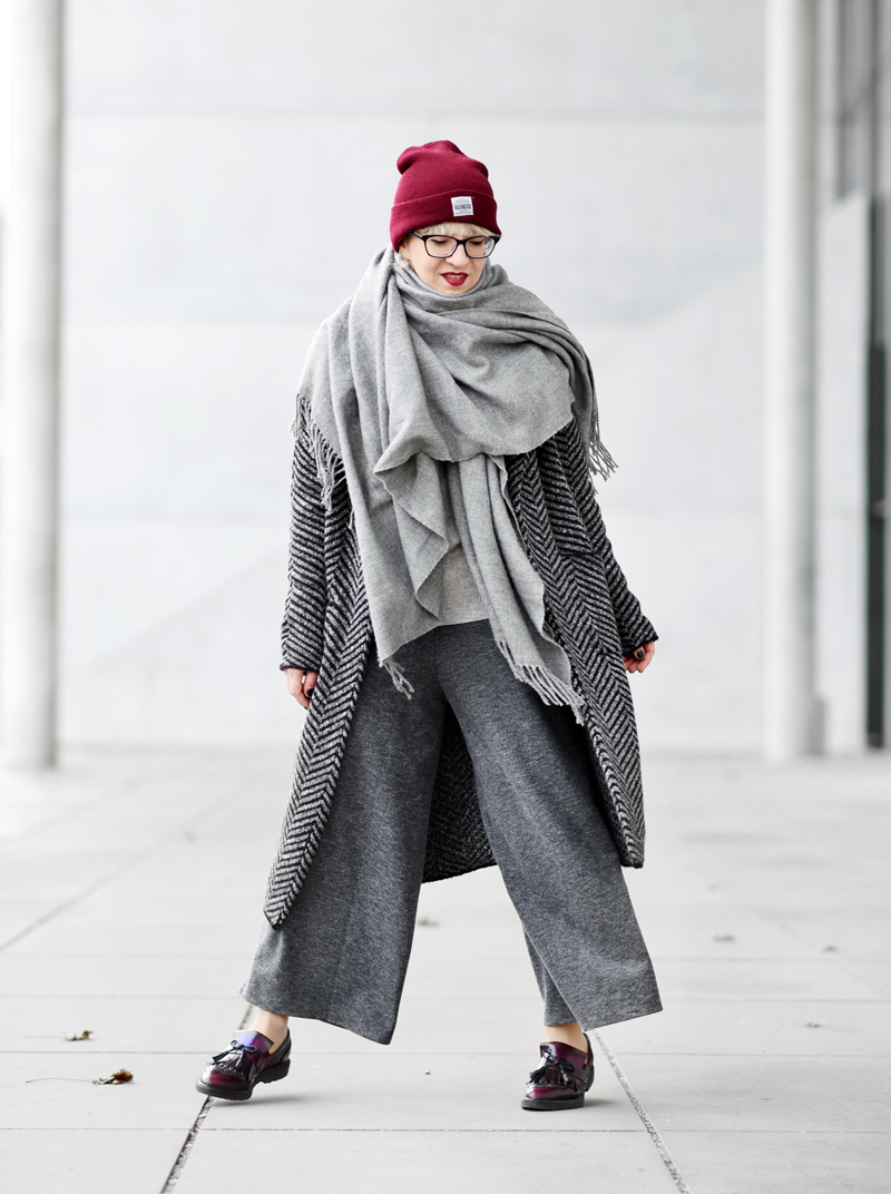 knit-coat-cardigan-long-nachgesternistvormorgen-fashion-modeblog-fashionblogger-muenchen-grey-winter-inspiration-streetstyle-11
