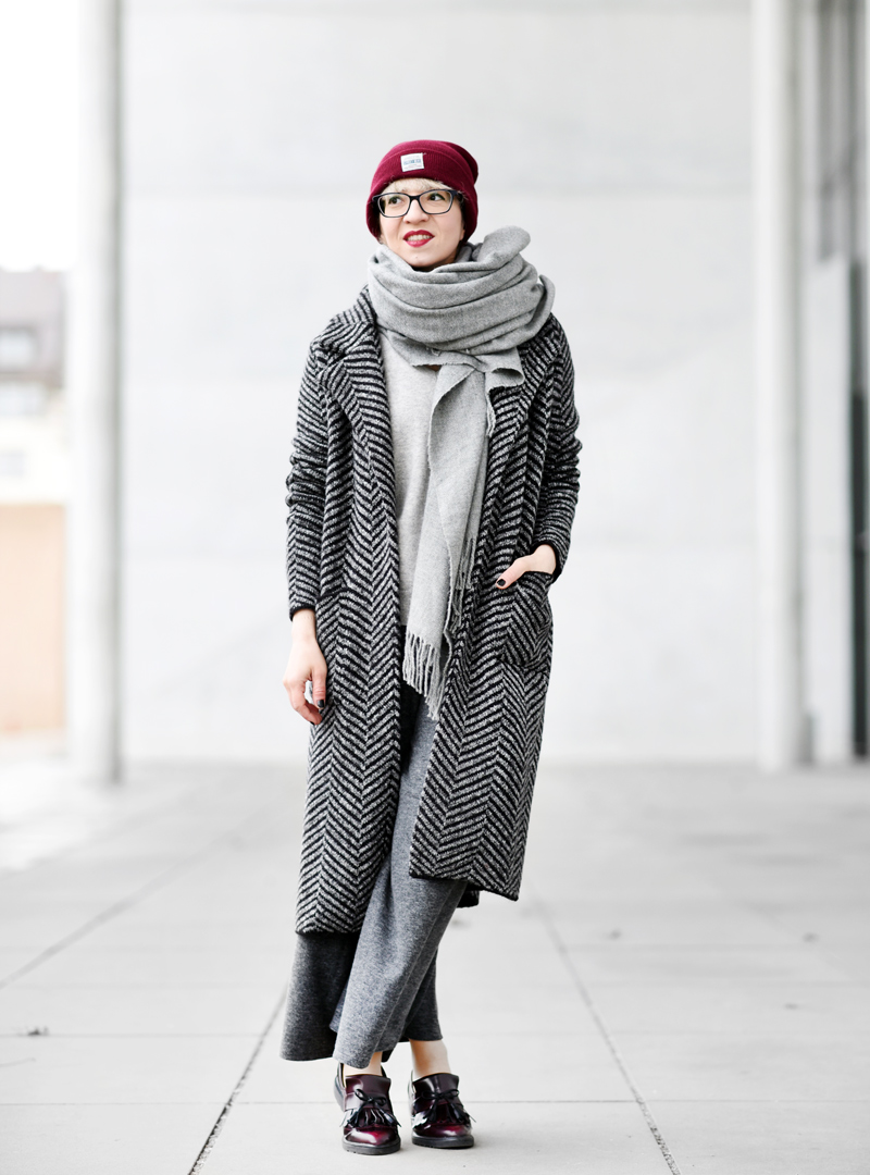 knit-coat-cardigan-long-nachgesternistvormorgen-fashion-modeblog-fashionblogger-muenchen-grey-winter-inspiration-streetstyle-33