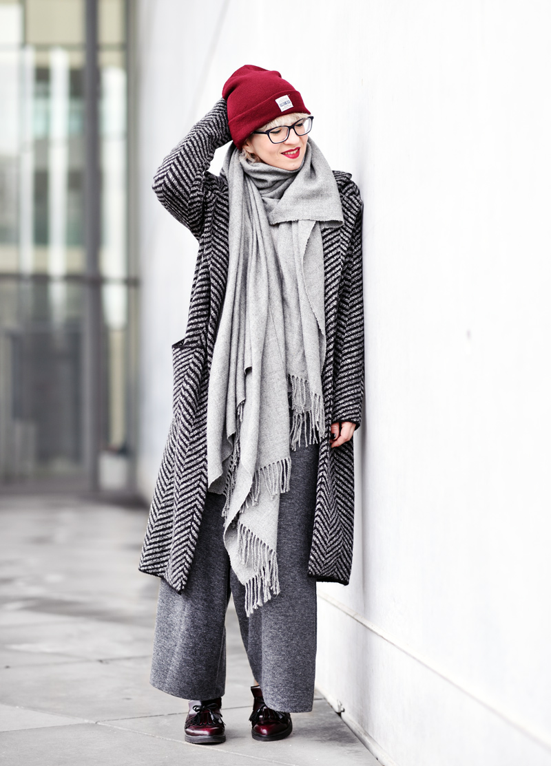 knit-coat-cardigan-long-nachgesternistvormorgen-fashion-modeblog-fashionblogger-muenchen-grey-winter-inspiration-streetstyle-4