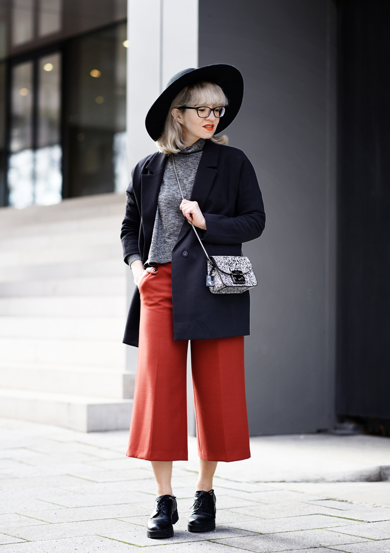 orange-culottes-nachgesternistvormorgen-outfit-look-fashion-modeblog-modeblogger-muenchen-furla-bag-tasche-black-22