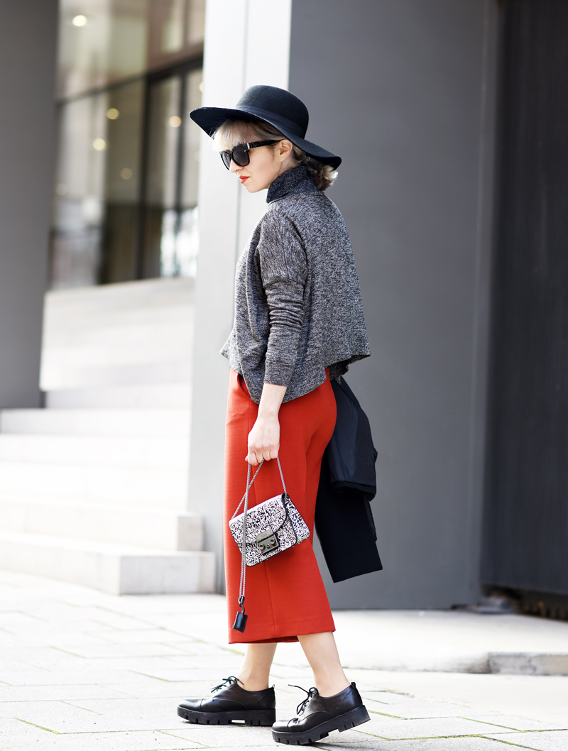 orange-culottes-nachgesternistvormorgen-outfit-look-fashion-modeblog-modeblogger-muenchen-furla-bag-tasche-black-6