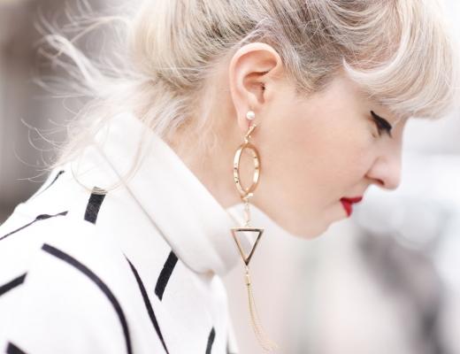 detail-nachgesternistvormogen-ohhring-gold-schmuck-jewelry-blogger-fashion-hair-style-frisur-haare-blond-graublond-muenchen