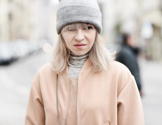 portrait-nude-bomber-jacket-bomberjacke-fruehling-trend-blogger-modeblog-muenchen-nachgesternistvormorgen-zara-outfit-furla-1