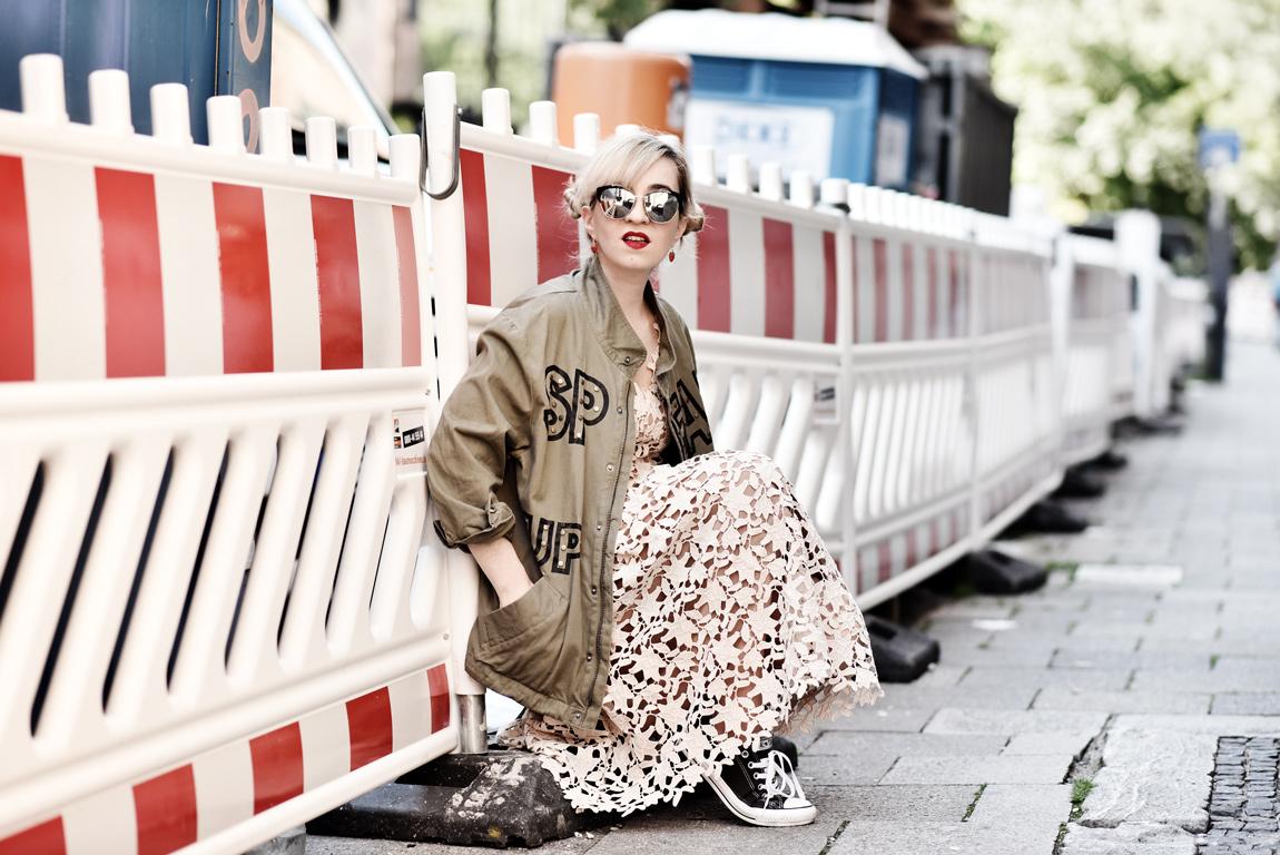 Outfit hallhuber kleid nachgesternistvormorgen for Schuhschrank schuhe quer