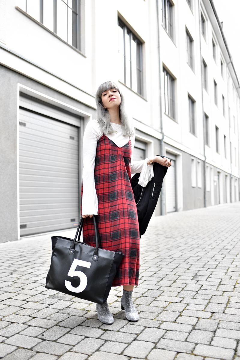 karo, kleid, tartan, dress, midi, maxi, herbst, autumn, modeblogger, fashionblogger, muenchen, grannyhair, trend, inspiration, kariert, 5preview, zara