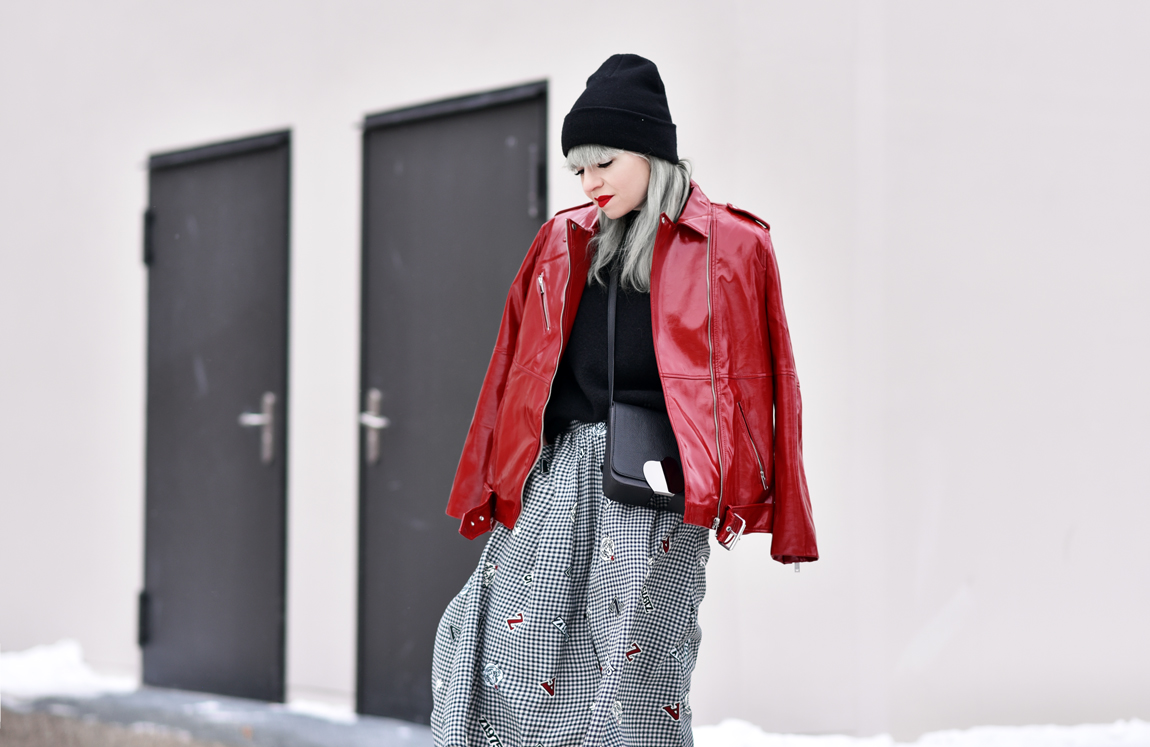 lackleder, lack, trend, fashionblogger, modeblogger, streetstyle, muenchen, outfit, rot, jacke