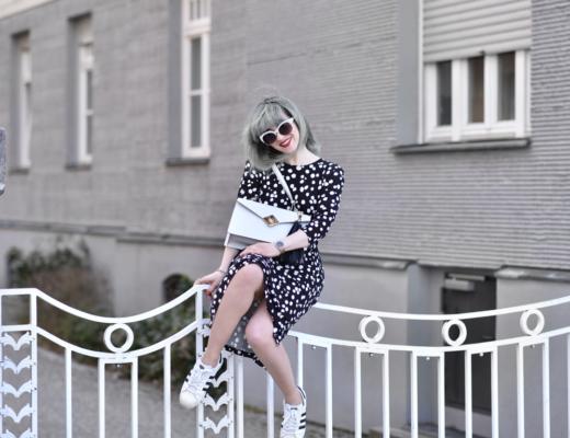 otherstories, kleid, dress, cute, feminine, chic, girl, fashionblogger, modeblogger, münchen, ootd, streetstyle, midi, adidas, frühling, inspiration