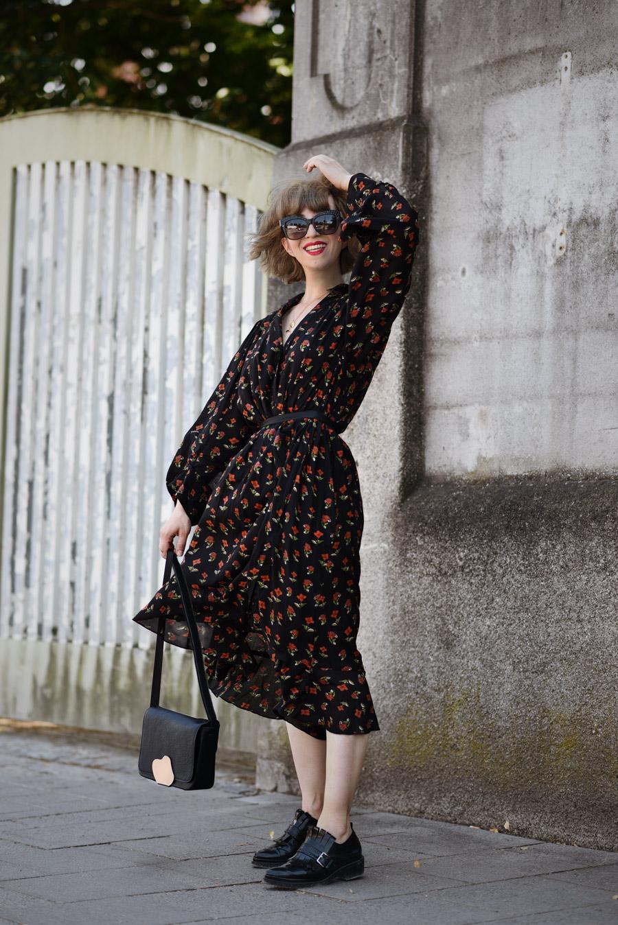 blumen, kleid, zara, sale, blogger, modeblog, fashionblog, muenchen, sommer, romantisch, streetstyle, look, ootd, haarschnitt