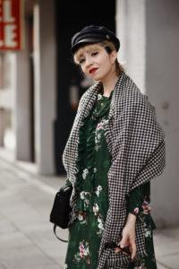 midi, kleid, grün, blumen, fashionblog, modeblog, modeblogger, münchen, hm, winter, shopping, look, streetstyle, ootd, outfit, inspiration, trendy