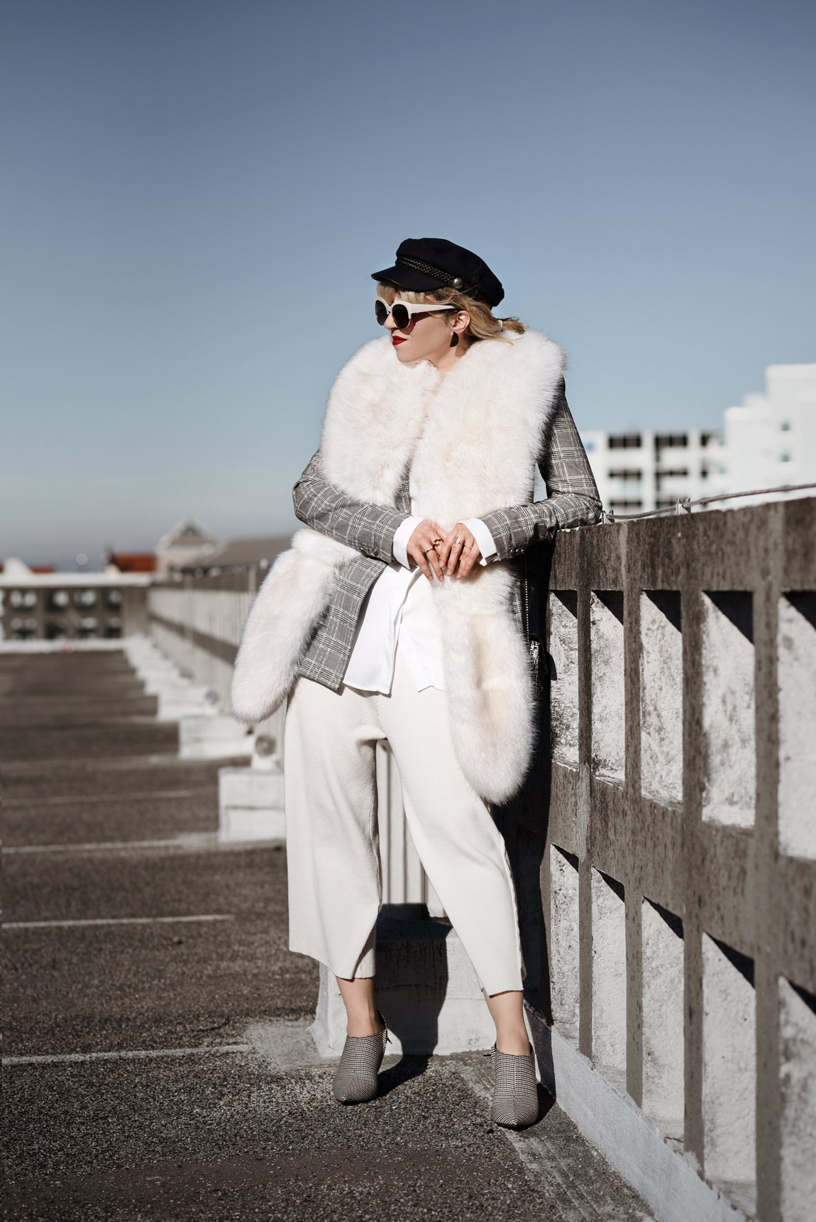 kunstpelz, stola, outfit, fakefur, white, culotte, ootd, streetstyle, fashionblog, modeblogger, muenchen, berlin, zara