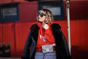 adidas, hoodie, rot, vichy, karo, skirt, rock, midi, volant, fashionblogger, modeblogger, berlin, ootd, streetstyle, outfit, inspiration