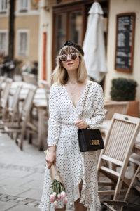 punkte, kleid, dress, dots, polkadots, gepunktet, midi, mango, wickelkleid, ootd, berlin, muenchen, fashionblogger, modeblogger, streetstyle, dior, bag