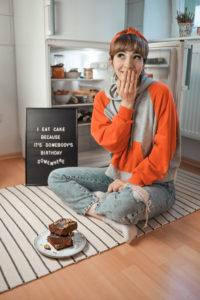 waage, gewicht, kuchen, essen, diät, humor, kolumne, blogger, lifestyle, berlin, cake