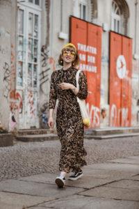 leopard, kleid,leo, gelb, berlin, fashionblogger, modeblogger, streetstyle, maxikleid, sommer, haarband, retro, inspiration, nostalgie, suess