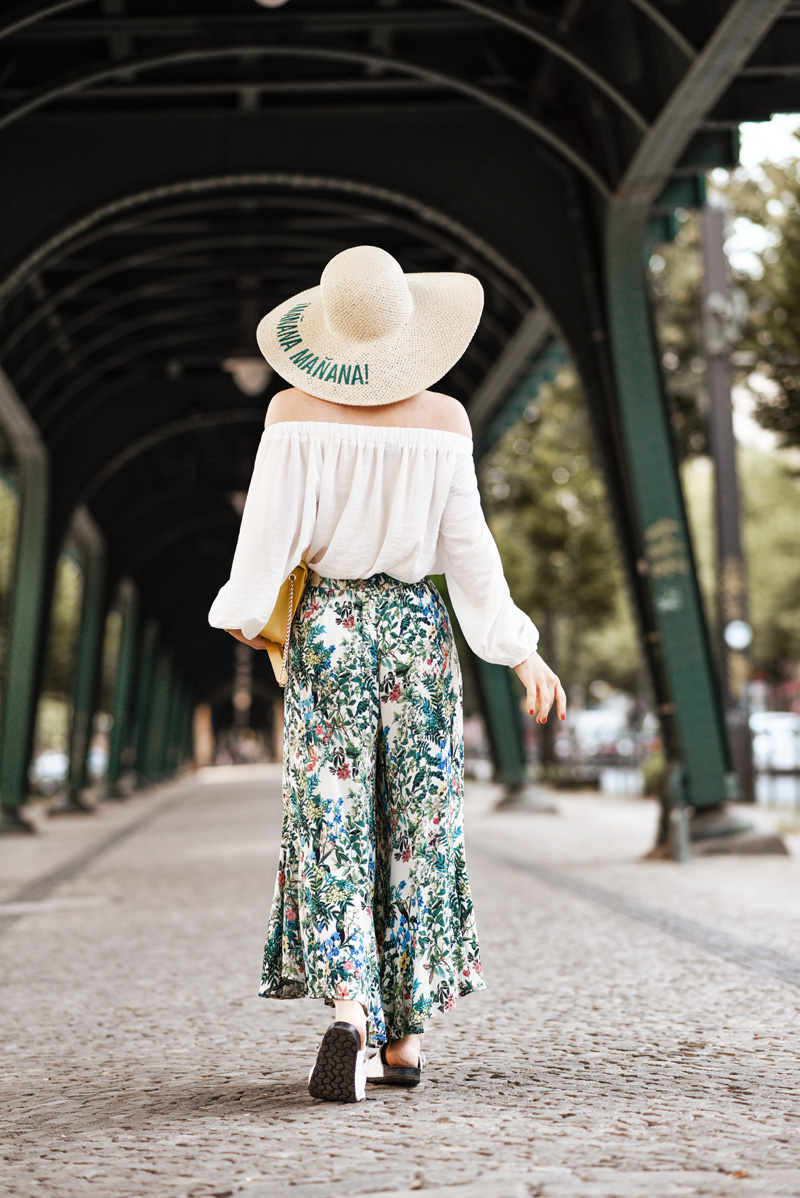 blumen, culotte, outfit, berlin, sommer, culottes, floral, weekday, streetstyle, suess, cute, retro, feminin, fashionblogger, modeblogger