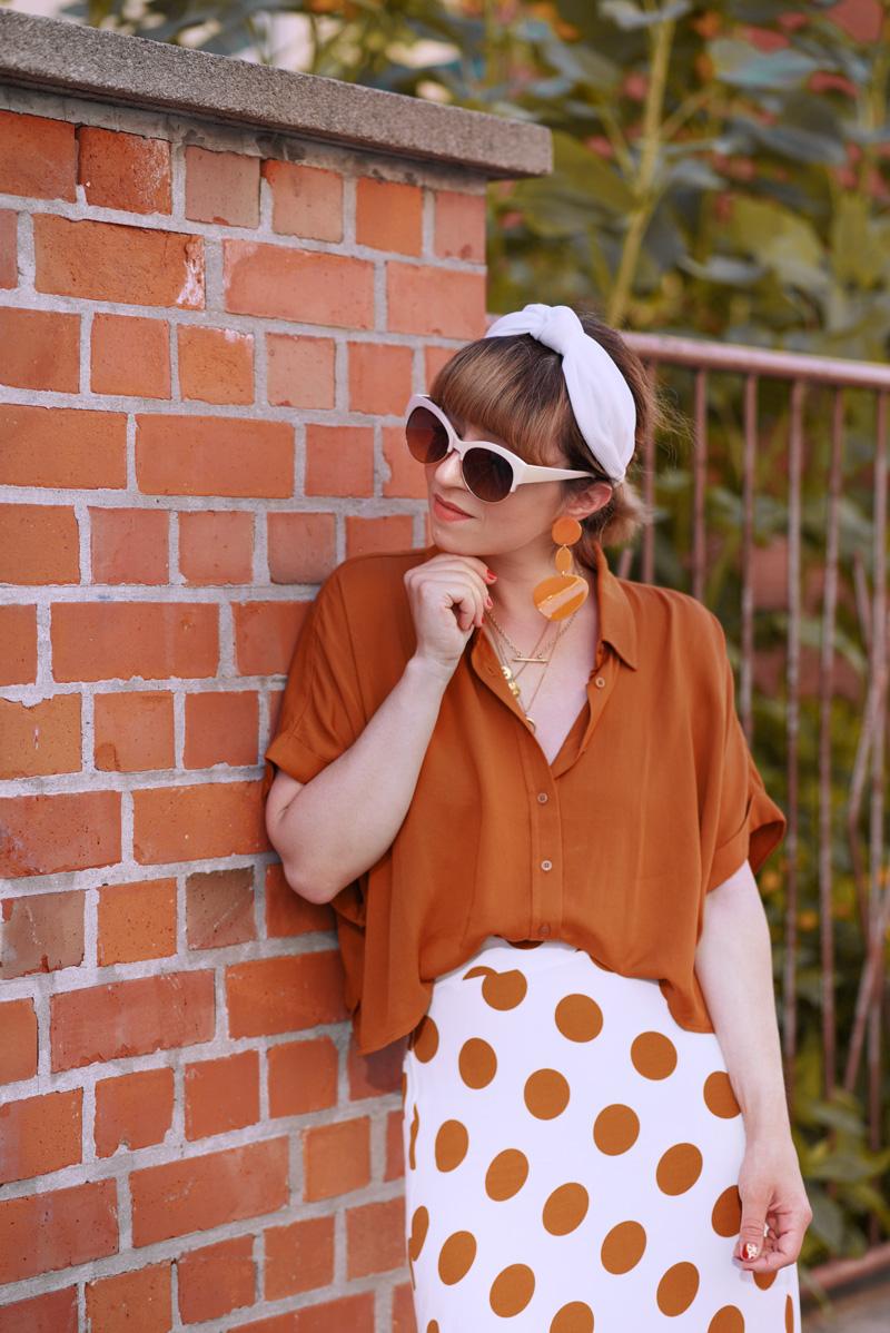 orange, berlin, sonnenblumen, sommer, fashionblogger, modeblogger, streetstyle, romantisch, feminin, retro, nostalgie, outfit, streetstyle, maxi, rock, punkte, forever21