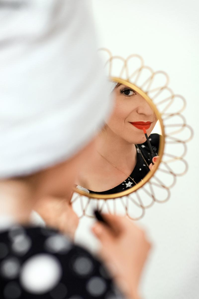 schmink, routine, makeup, berlin, blogger, lifestyle, shiseido, foundation, pinsel, lippenstift, kosmetik, fashionblogger, modeblogger