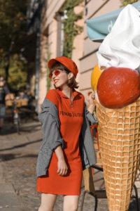 rot, outfit, streetstyle, berlin, fashionblogger, modeblogger, mini, kleid, herbst, inspiration, blazer, monki, bershka, zara