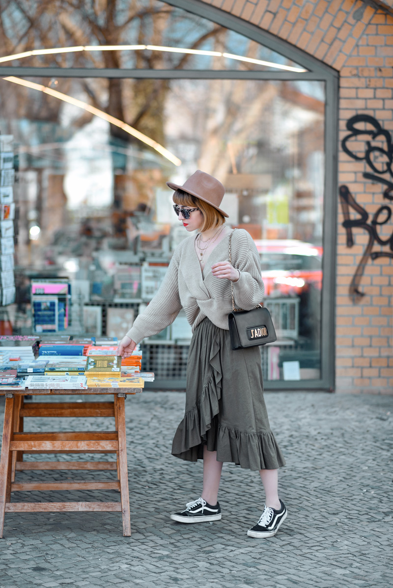 rüschen rock, dior, hut, volant, skirt, asos, asseenonme, berlin, fashionblog, modeblogger, lifestyleblog, outfit, inspiration, streetstyle, frühling