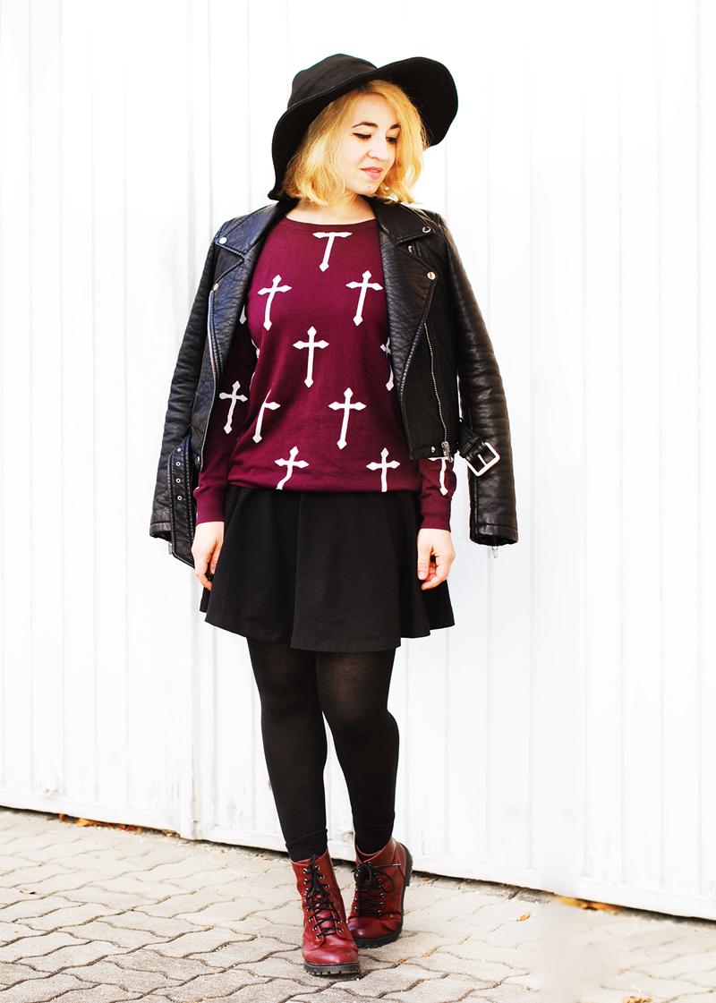crosssweater