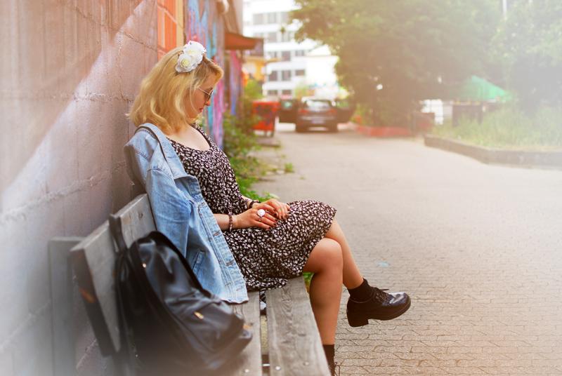 destroyed-denim-jacket-millefleurs-dress-forever21-outfit-blogger-fashion7