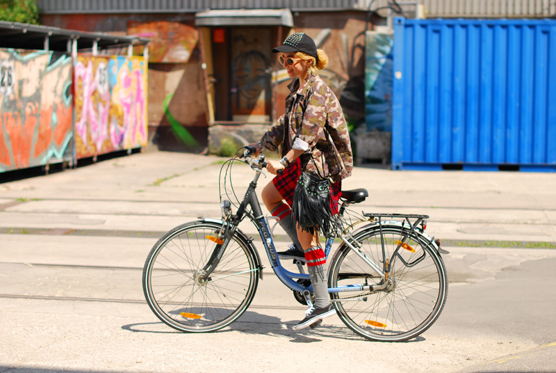 rad-outfit-fashion-blogger-tartan-camo-military
