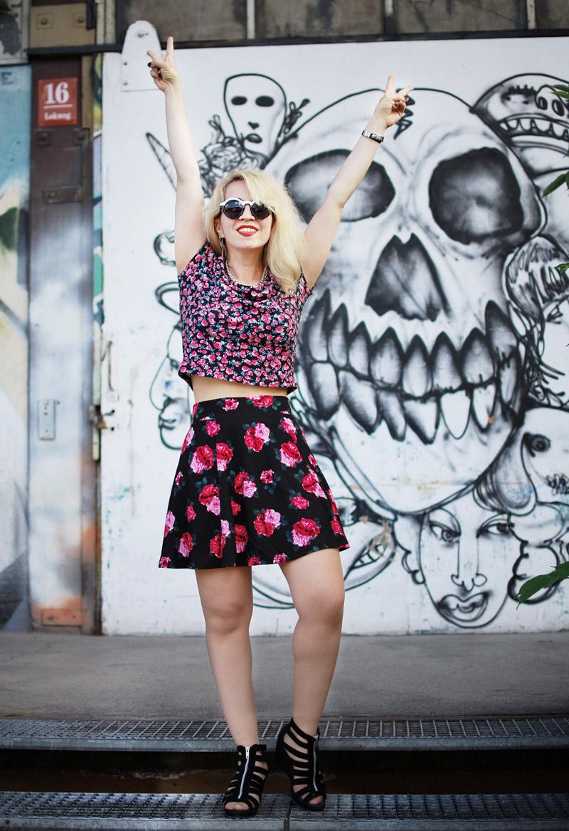 strike-outfit-floral-print-mix-mustermix-hm-blogger