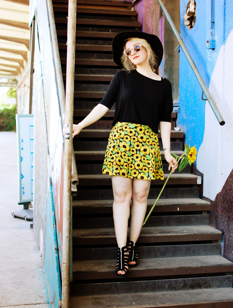 sunflower-floral-skirt-festival-outfit-blogger-fashion3