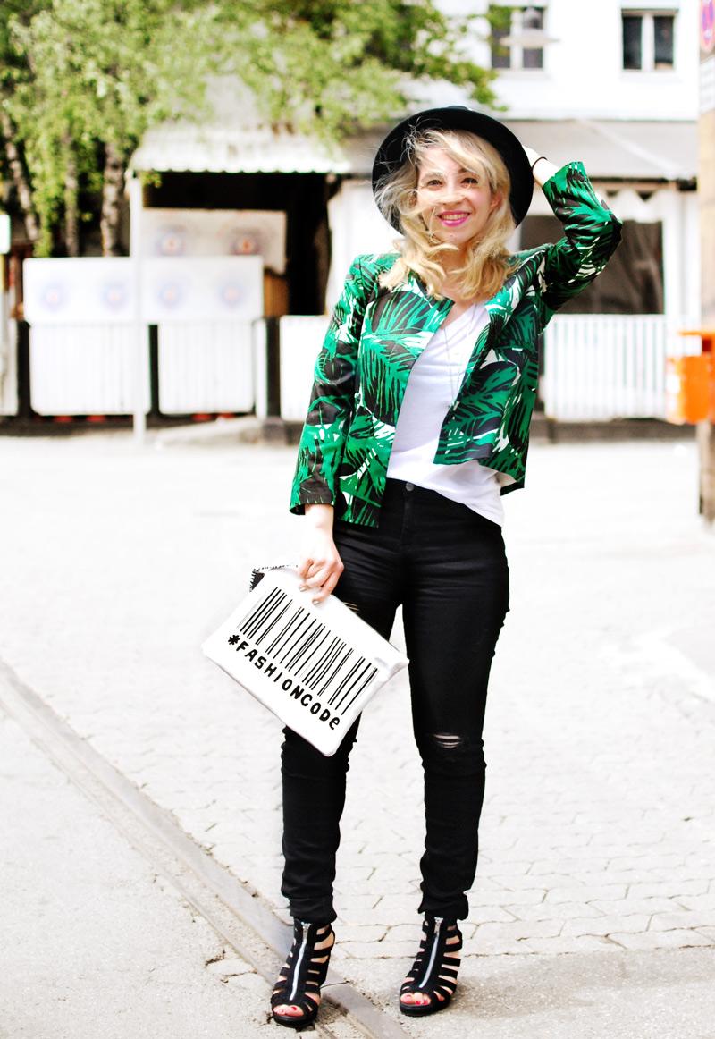 palmen-print-palm-blazer-zara-sale-distressed-denim-edgy-outfit-blogger-fashion2