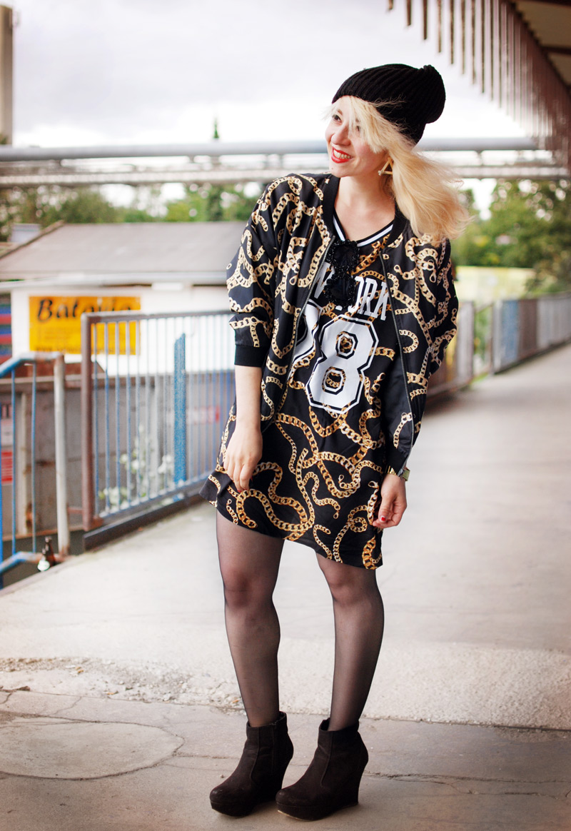 chain-outfit-blogger-ghetto-hiphop-look-trend-autumn-blogger-fashion-mode-gold3