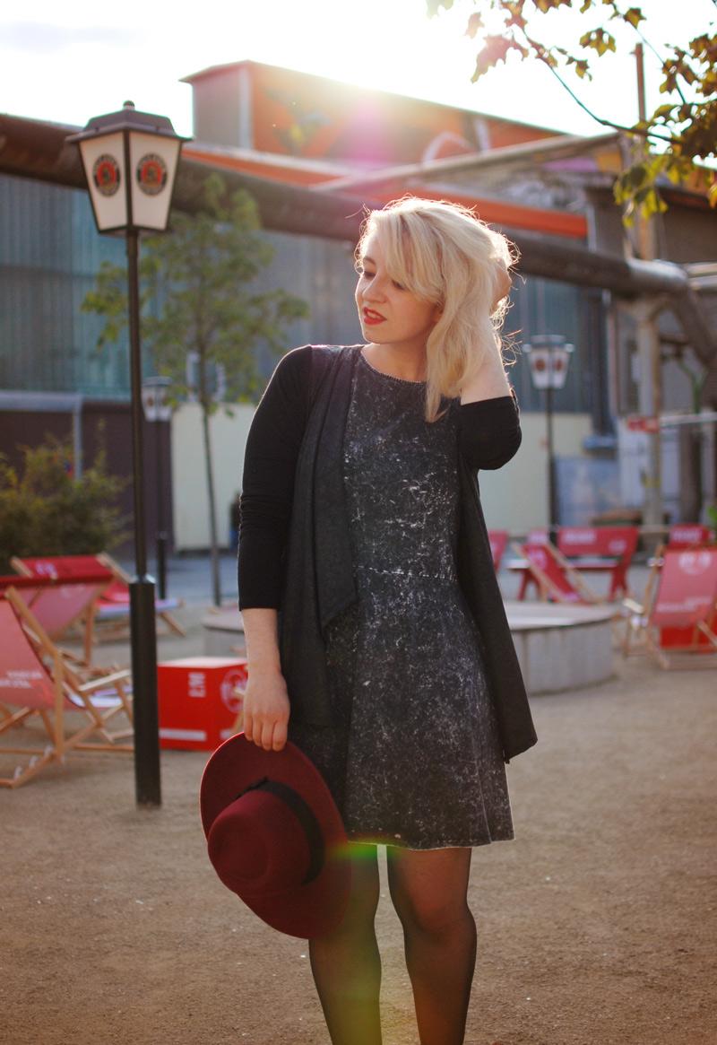 dress-sunset-outfit-fashion-blogger-grey-acid-washed-hat