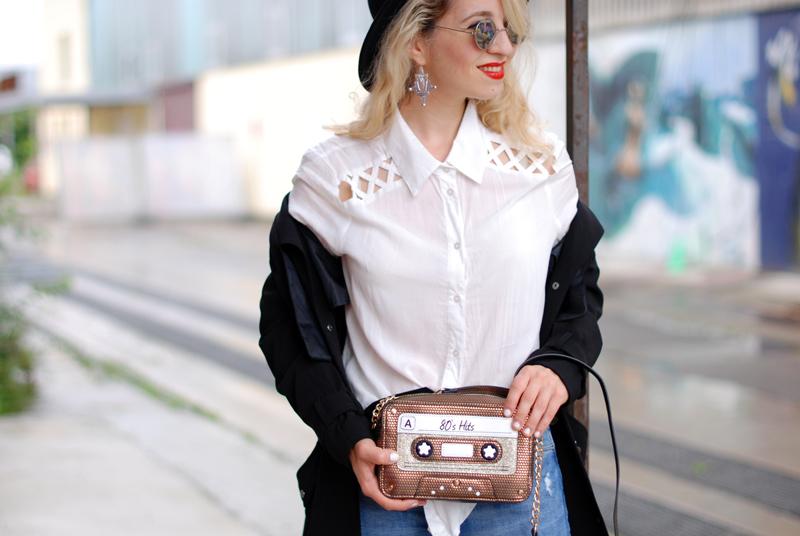 bluse-clutch-basics-denim-classic-trenchcoat-monochrom-ootd-fashionblogger