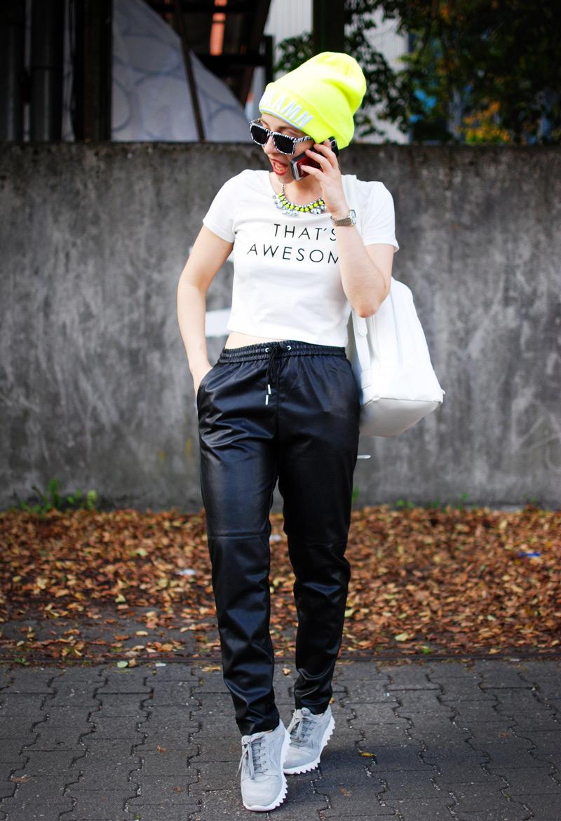 leather-jogging-pants-jogginghose-leder-beanie-neon-sporty-trend-fashion-blogger-nachgesternistvormorgen-2