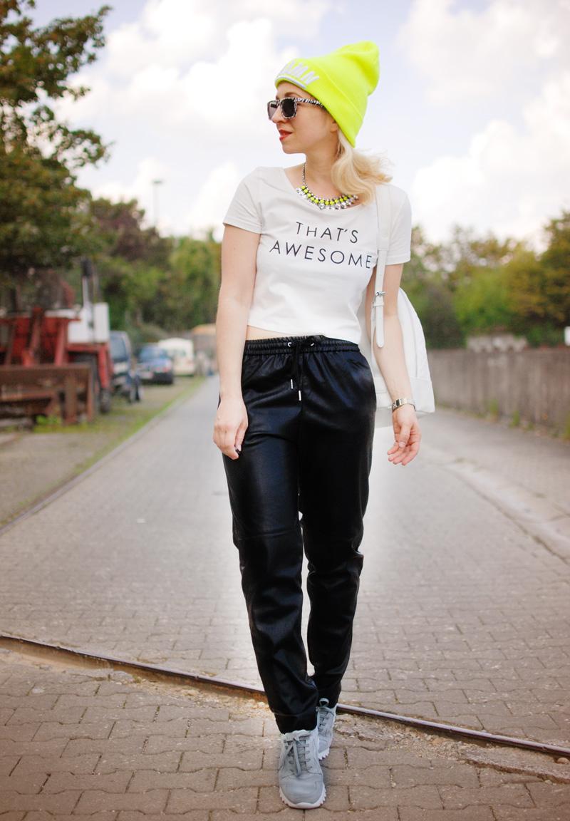 leather-jogging-pants-jogginghose-leder-beanie-neon-sporty-trend-fashion-blogger-nachgesternistvormorgen-4