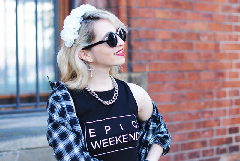portrait-lace-blumenkranz-flower-crown-karo-grunge-rebell-fashionblog
