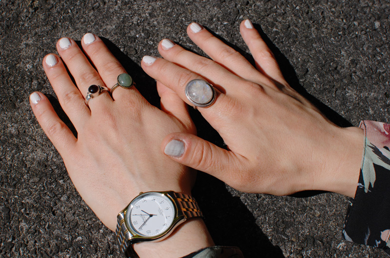schmuck-jewellery-ring-silver-gold-mix-watch-white-nails-fashionblogger