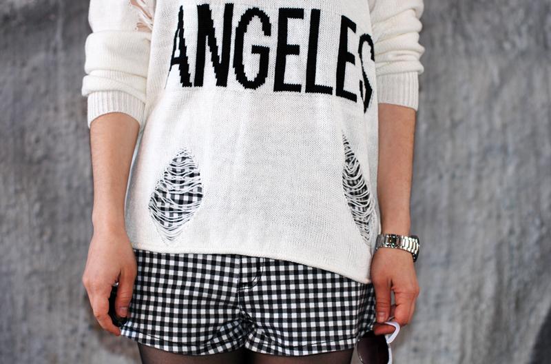 detail-distressed-sweater-grid-shorts-kariert-monochrom-schwarz-weiß-plateau-trend-muenchen