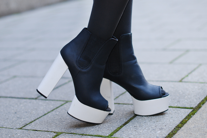 hm-boots-heels-shoues-schuhe-plateau-black-white-monochrom