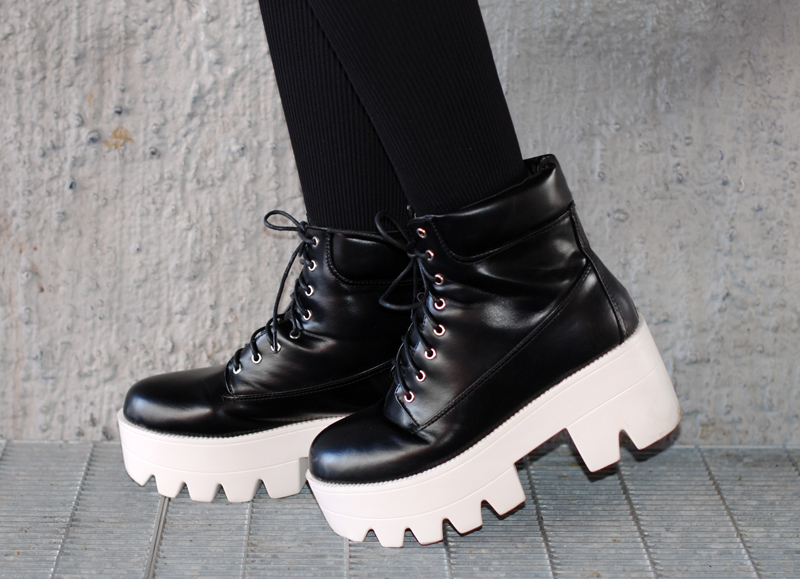 schuhe-shoes-boots-plateau-monochrom-monochrome-edgy-fashionblogger-style