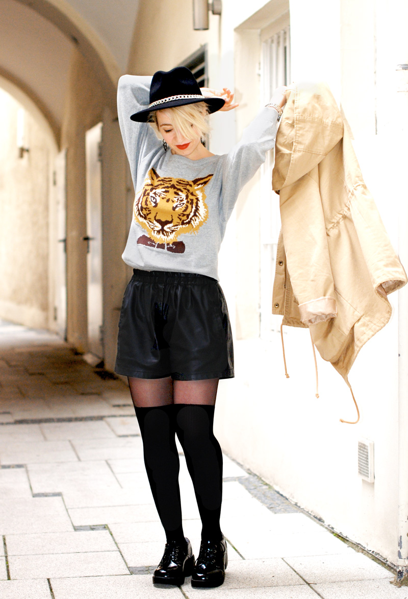 tiger-print-sweater-pulli-overknees-outfit-fashionblogger-2
