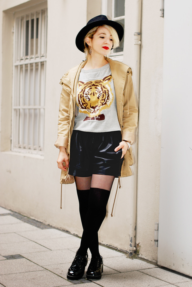 tiger-print-sweater-pulli-overknees-outfit-fashionblogger-4