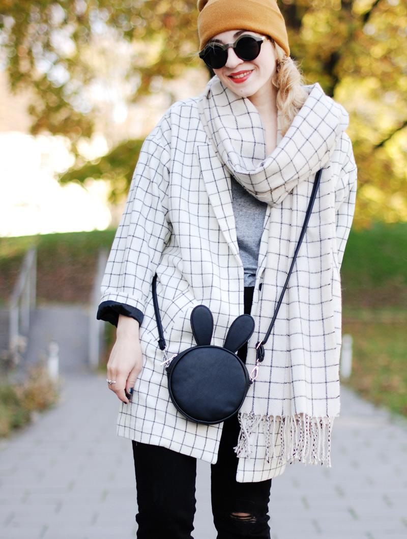 monki-style-checked-coat-karo-mantel-winter-trend-monochrom-outfit-inspiration-blogger-1