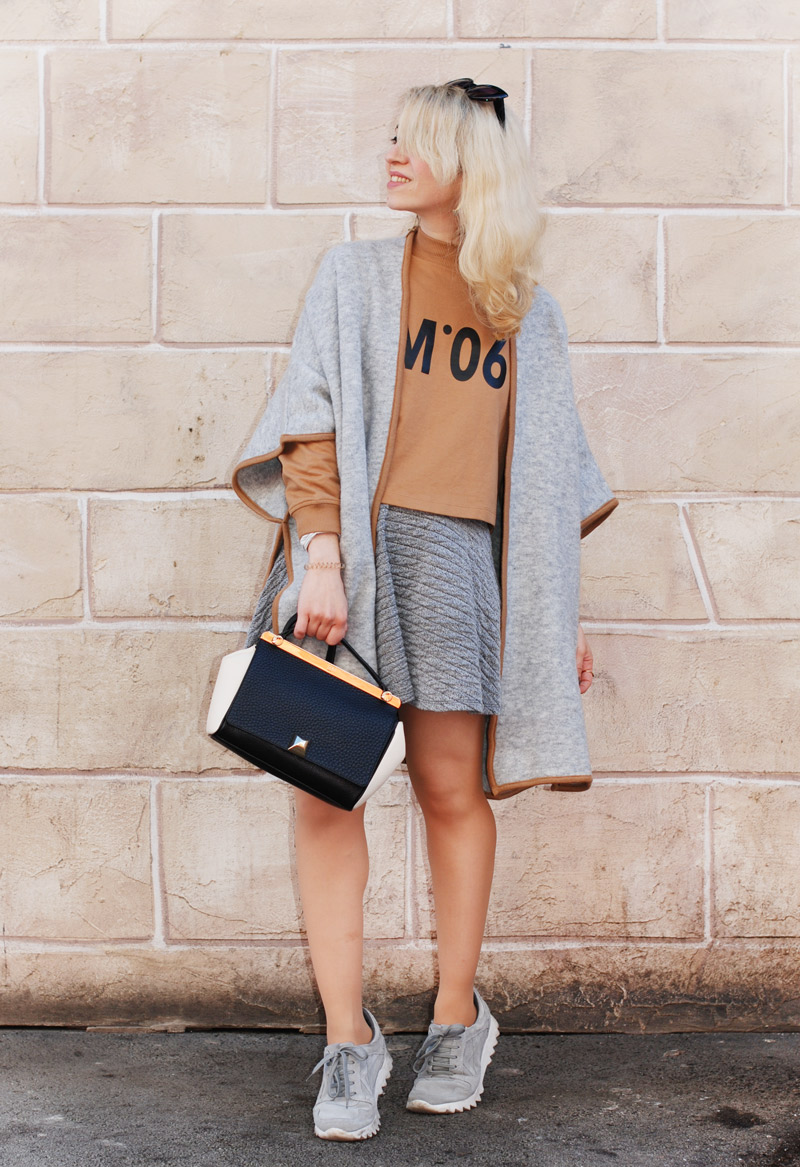 outfit-grey-grau-cape-fall-inspiration-blogger-muenchen-winter-11