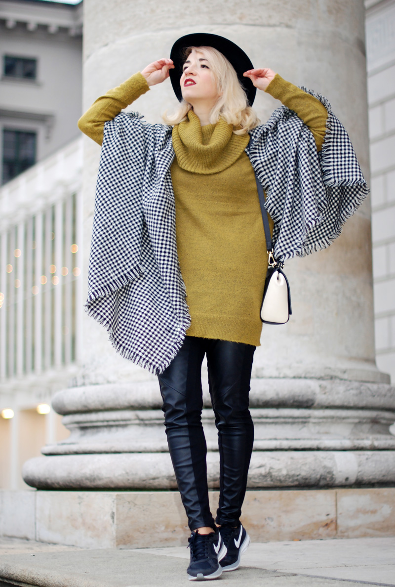 cape-hahnentritt-winter-outfit-gelb-strick-pullover-fashionblog-furla-nike-streetstyle-winter-44