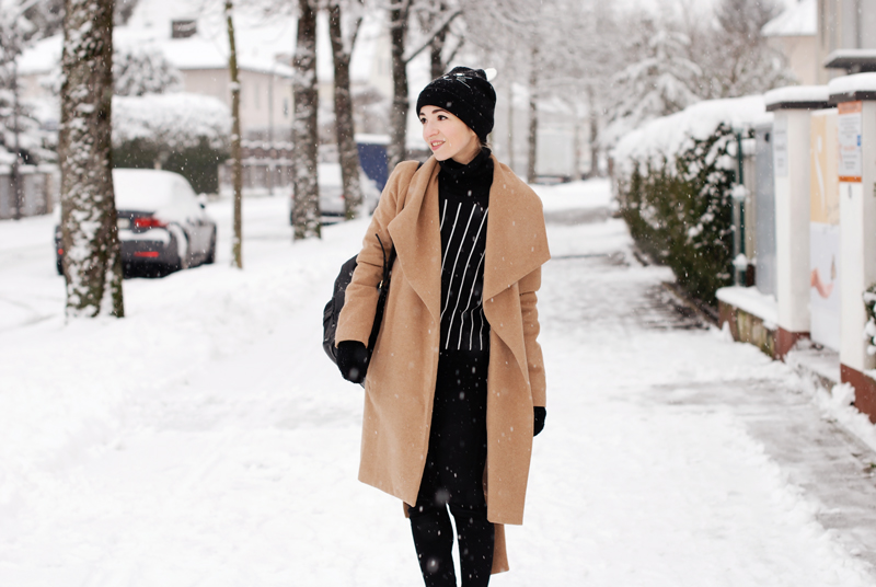 mangocoat-coat-camel-winter-outfit-fashionblogger-nachgesternistvormorgen-black-snow-quer