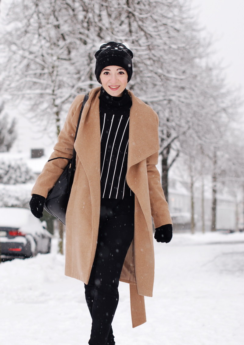 mangocoat-coat-camel-winter-outfit-fashionblogger-nachgesternistvormorgen-black-snow.